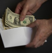 Rat protiv gotovine uzima sve više maha