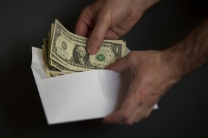 rat protiv gotovine